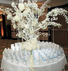 Glamorous Winter Themed Wedding Decorations 35 With Additional Table Runners
