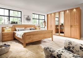 schlafzimmer in erle teilmassiv