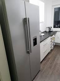 küche mit side by side kühlschrank