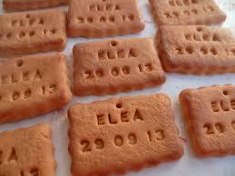 petit pot pour dragees des biscuits petits beurres pour les boites de dragées la