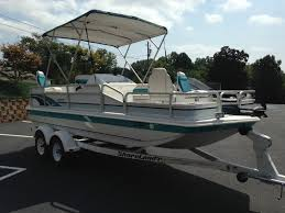 Hurricane Fun Deck 201 by Used Hurricane Fun Deck Boats For 9 000 Tweet Deck