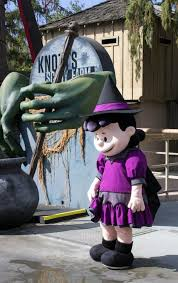 Knotts Berry Farm Halloween Camp Spooky by Kids Get Knott U0027s Spooky Farm On Weekend Days During Halloween