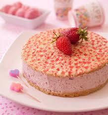 dessert avec creme fouettee bavarois facile à la confiture de fraise et crème fouettée
