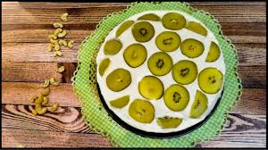vegane kiwi cashew torte gelbe kiwis mit leckerer cashew creme