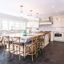 Large Farmhouse Eat In Kitchen Designs