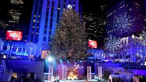the rockefeller center tree lights up for the 2017