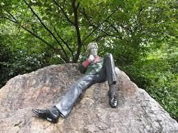 a flesh and bone foundation An Irish History Wordless