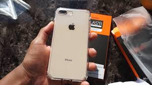 iPhone 8 plus gold in a clear case=nice bo 👍🏠iphone