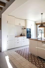 cuisine carrelage parquet sol mélanger les revêtements pour plus de style côté maison