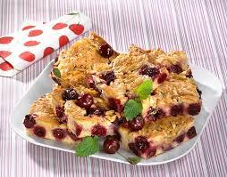kirsch marzipan blechkuchen mit mandelkrokant