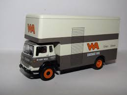 100 Sabinas Cars And Trucks EFE BEDFORD TK LUTON BOX VAN WALLACE ARNOLD BAGGAGE VAN 176 23606