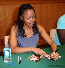 Flash PORGY & BESS Cast Signs Albums at Barnes & Noble