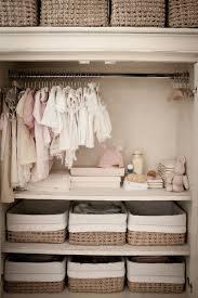 dressing chambre bebe organiser la chambre de bébé pinteres