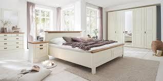 schlafzimmer 4teilig kiefer chagner lackiert eiche geölt bett 180x200 42 cm hoch kleiderschrank 5trg 265 x 228 x 63cm 2 nachtkonsolen casade