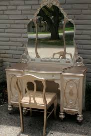 Double Sink Vanity With Dressing Table by Best 25 Dresser To Vanity Ideas Only On Pinterest Dresser