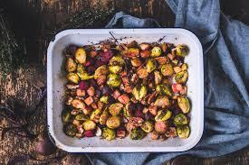 en balsamic roasted brussels sprouts beets pecans de gebackener rosenkohl rote beete