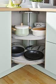 ecken in der küche sinnvoll nutzen mit einem eckrondell