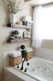 Half Bathroom Decorating Ideas Pinterest by Best 25 Bath Decor Ideas On Pinterest Restroom Ideas Apartment