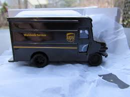 UPS UNITED PARCEL Service Diecast Die Cast P-600 Package Car Toy ...