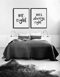 wandgestaltung fürs schlafzimmer passt perfekt über das