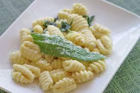 sauge cuisine recettes gnocchis au beurre de sauge faciles à préparer et savoureux