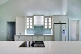 calcul debit hotte cuisine ouverte hotte pour cuisine ouverte des hottes indispensables pour la