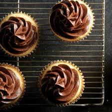 Boston Cream Cupcake Baking Box