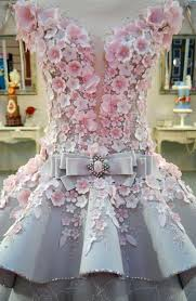 """This """"Wedding Dress"""" Is Actually A Cake And Now I Have Trust Issues"""