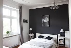 schwarze wand im schlafzimmer schöner wohnen wandfarbe