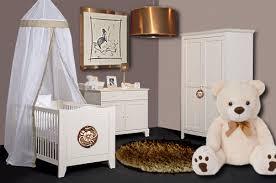 chambre pour bébé une chambre raffinée pour bébé floriane lemarié