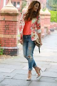 Outfits With Ripped Jeans 15 Ways To Wear Distressed Denims