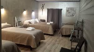 chambre hote puy du fou chambre d hôtes glycine 22 rue du puy du fou aux deux cèdres