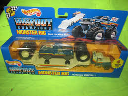 Hot Wheels Bigfoot Monster Truck Monster Rig Semi Trailer W/ Big ...