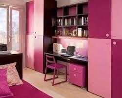 bureau dans un placard aménagement d un bureau avec rangement dans une chambre placard