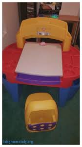 Little Tikes Desk With Lamp And Chair by Living Room Awe Inspiring Little Tikes Art Desk With Chair