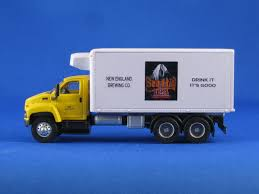 98 N Scale Trucks Beer Trucks
