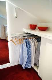 kleines schlafzimmer mit begehbarem kleiderschrank neu