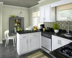 Kitchen Wall Paint Colors With Cherry Cabinets by Best 25 Cherry Cabinets Ideas On Pinterest Cherry Kitchen