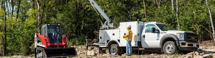 Service Trucks Cranes | Star Equipment Ltd. | Des Moines Iowa