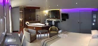 hotel avec baignoire dans la chambre luxe délassez vous dans une