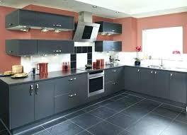 sol de cuisine couleur de carrelage pour cuisine sol plan travail facade gris