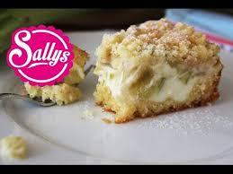 rhabarberkuchen mit vanillecreme und streuseln sehr einfach auch als blechkuchen sallys welt