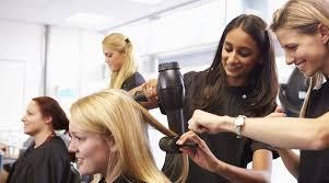 comment devenir coiffeur formation salaire et débouchés