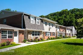 Cheap 3 Bedroom House For Rent by Long Island Ny Apartments For Rent Apartment Finder