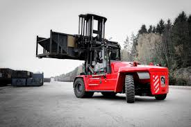 Kalmar Launches Its New-generation Heavy Forklift Truck For The US ... Dtna Sees Surging Truck Market In 2018 Transport Topics Madrids Awesome Food Navistar Recommits To Mediumduty Truck Market With Laserlike Focus How Are Daycabs Faring On The Used Trucking News Online Reinvented Ranger Pickups Will Move Ford Into Midsize Highperformance Grow At 4 Fleet Daily Nissan Expands In 2017 Focus Class 8 Vocational Trucks Evolve Over Past 50 Years Nz Fuso Hits Number One New Zealand Tesla Torpedoes Shares Of Paccar And Cummins The Motley Fool Global Rigid Dump Drivers Forecasts By Technavio 2008 Mack Gu713 For Sale 546198
