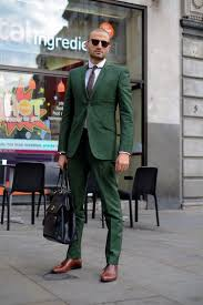 How To Wear Colored Suit