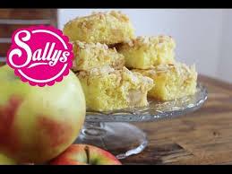 apfelkuchen mit marzipan und mandelsplittern apple cake with marzipan and almonds sallys welt