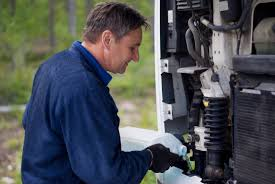 What To Look For In A Semi-Truck Mechanic - C & M Fleet Repair ... Gainejacksonville Truck Repairs Florida Tractor Repair Inc Repairing Broken Semi Engine Stock Photo Edit Now Plway Mechanic Simulator 2015 Pc The Gasmen Maintenance By Professional Caucasian Oral Scott Lead Fire Truck Mechanic Teaches Airman 1st Class Home Knoxville Tn East Tennessee Gameplay Hd 1080p Youtube Photos Images Alamy