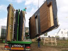 arrivée des panneaux bois sur le chantier nouvelle maison