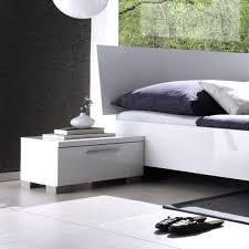 chevet chambre adulte chevet chambre adulte table de chevet blanc laquac design